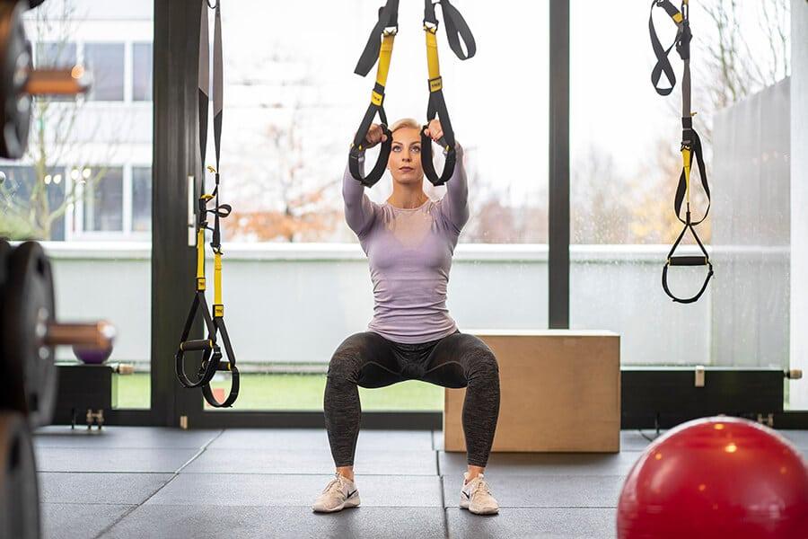 Frau beim Functional Training im Amanusa